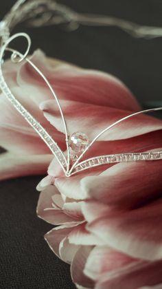Diy Head Jewellery, Cuff Jewelry, Wire Jewelry, Jewelry Crafts, Handmade Jewelry, Wire Crown, Dragon Wedding, Medieval Fashion, Circlet