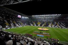 La scritta I love you (Ti amo) elaborata con il cuore e le iniziali di Juventus (Ju) al posto di you. LaPresse