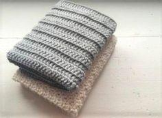 Jeg har fundet mit favorit mønster tilmine karklude. Det er så enkelt som stangmasker hæklet i rib ( Bagerste maskeled). Ikke noget fancy mønster og teknik, men den er sååå lækker