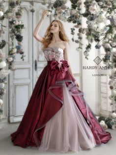 There are many designer and prom dresses online but the looks you will get from this Sherri Hill Prom Dress Collection 2018 for Girls, there is no chance any other prom dress will provide you. Ball Dresses, Pretty Dresses, Ball Gowns, Prom Dresses, Flapper Dresses, Colored Wedding Dresses, Wedding Gowns, Bridal Gown, Moda Lolita