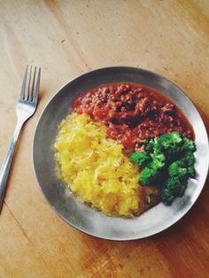 meatsauce w/ spaghetti squash and broccoli — paleo, gluten free