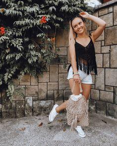 """Polubienia: 227, komentarze: 8 – Justyna Broźna I BOHO handmade (@bloomart.handmade) na Instagramie: """"Piątunio 🥰 Jakie plany na weekend? My będziemy szaleć na weselu! Mam nadzieję, że obejdzie się bez…"""" Bohemian, Shoulder, Instagram, Women, Style, Fashion, Swag, Moda, Stylus"""