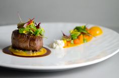 Angus Beef Heirloom Carrots Goosefoot Cumin and Shallot Jus Goosefoot Chicago IL Food Design, Gourmet Recipes, Cooking Recipes, Gourmet Desserts, Gourmet Foods, Plated Desserts, Sushi Recipes, Star Food, Angus Beef
