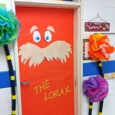 The Lorax comes to theaters on March 2 in honor of Dr. Seuss' birthday and, to get into the spirit of Read Across America, many teachers are creating classroom displays with this very theme. Dr. Seuss, Door Displays, Library Displays, Classroom Displays, Classroom Setting, Der Lorax, Décoration Harry Potter, School Doors, Classroom Door