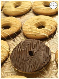 ildi KOKKI : Vaníliás karika (VanKa) Hungarian Cookies, Hungarian Cake, Hungarian Recipes, Christmas Snacks, Winter Food, Biscotti, Fudge, Cake Recipes, Sweet Tooth