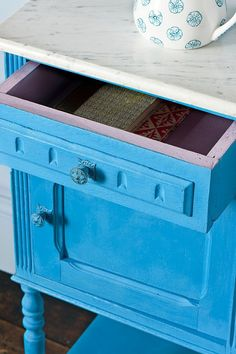 Giverny Chalk Paint® decorative paint by Annie Sloan on Small Table