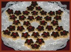 vánoční cukroví - 23 druhů Meringue Cookies, Christmas Sweets, Macaroons, Good Mood, Food And Drink, Birthday Cake, Cooking, Desserts, Recipes