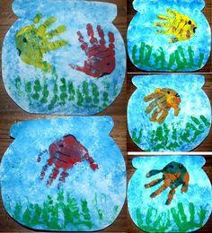 Poissons-mains dans un bocal Easy Crafts For Kids, Summer Crafts, Toddler Crafts, Diy For Kids, Animal Activities, Toddler Activities, School Art Projects, Projects For Kids, Art Lessons For Kids