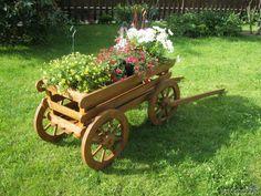 Телега декоративная садовая