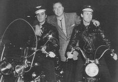 Elvis Presley, Dewey Phillips and Nick Adams on the Harley Davidson Motorbikes Priscilla Presley, Actor Nick Adams, Genre Musical, Sun Records, Young Elvis, Elvis Presley Photos, Chuck Berry, Graceland, Latest Music