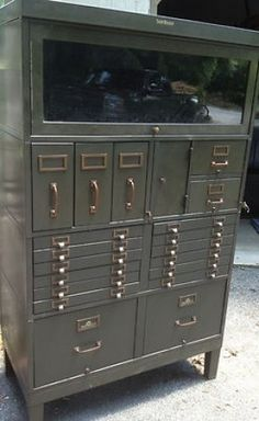 Vintage Shaw-Walker Green Metal Barrister's Industrial Cabinet in super condition, multiple drawers of various sizes, hot shiggy, comes with 2 keys. Fffff…..