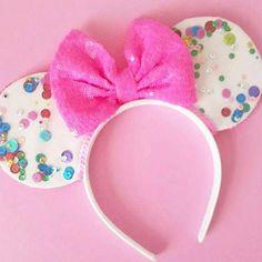 Sequined Mickey Ears #diy #disney #mickeyears #minnieears #disneyears #craft #disneycraft
