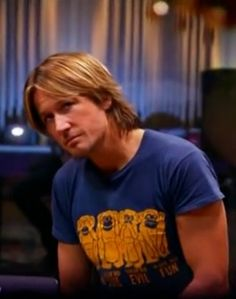 Do you think a monkeyville member gave Keith this t-shirt at a BSE - Keith Urban Community Forum