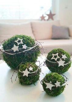 Bekijk de foto van decoratietakken-nl met als titel Mosbollen met sterrren en andere inspirerende plaatjes op Welke.nl.