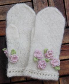Nice mittens, modest flowers