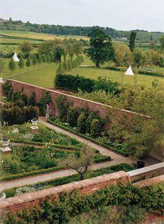stella mccartney country estate pic 2.jpg