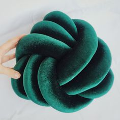 Knot pillow velvet green by Tautaumama on Etsy