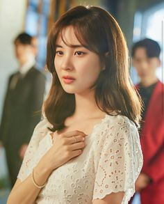 Seohyun (서현) is a South Korean solo singer and actress currently under Namoo Actors. She is also a member of Girls' Generation (SNSD). Sooyoung, Yoona, Snsd, Girls Generation, South Korean Girls, Korean Girl Groups, Pink Girl, My Girl, Get Skinny Legs