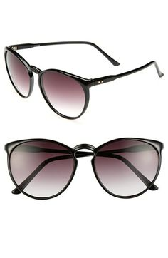 A bold keyhole bridge accentuates the retro-chic style of lightweight sunglasses. 100% UV protection. Plastic. By Spitfire