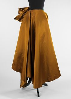Evening skirt Charles James (American, born Great Britain, Date: 1948 Culture: American Medium: silk Edwardian Fashion, 1940s Fashion, Timeless Fashion, Vintage Fashion, Classic Fashion, Charles James, Vintage Dresses, Vintage Outfits, Vintage Clothing