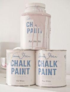 Annie Sloan's recipe/mixture for creating a light antique pink chalk paint: Antoinette,