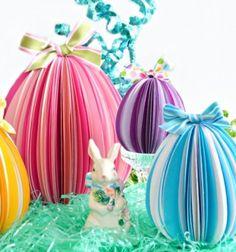 Térbeli színes papír húsvéti tojások - asztali díszek