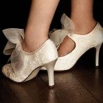 Google Bilder-resultat for http://www.takadanama.com/wp-content/uploads/2012/02/diane-hassall-vintage-wedding-shoes-150x150.jpg