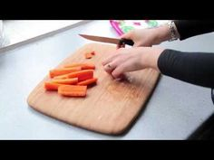How to Prepare Finger-Sized Food for Your Baby (Baby-Led Weaning) - YouTube