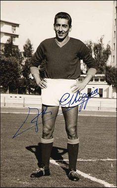 Alcides Ghiggia. Uruguay. Forward/ Delantero. Sud América (1945-1948), Peñarol (1948-1953), Roma (1953-1963), Milan (1962-1963), Danubio (1962-1968).  World Champion/Campeón del Mundo en 1950. Author/Autor of the/del Maracanazo.