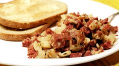 Have leftover corned beef and cabbage? Make corned beef hash! We've got the perfect fool-proof method for the crispiest, most delicious hash around! Dried Potatoes, Creamed Potatoes, Best Beef Recipes, Cooking Recipes, Best Breakfast, Breakfast Recipes, Breakfast Ideas, Corned Beef Hash, Hash Recipe