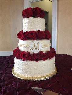 Gold Wedding Cakes Red rose and Gold accent buttercream wedding cake. Wedding cake delivered to The Italian Club in Tampa Florida Wedding Cake Bakery, Wedding Cake Red, Wedding Cake Designs, Wedding Colors, Wedding Day, Wedding Gold, Wedding Flowers, Christmas Wedding Cakes, Wedding Venues