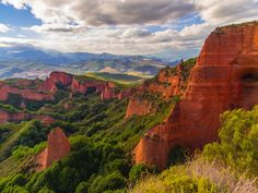 Las Médulas UNESCO World Heritage - Las Médulas (As Médulas or As Meduas in Galician language) is a historical site near the town of Ponferrada in the region of El Bierzo (province of León, Castile and León, Spain), which used to be the most important gold mine in the Roman Empire. Las Médulas Cultural Landscape is listed by the UNESCO as one of the World Heritage Sites. Advanced aerial surveys conducted in 2014 using LIDAR have confirmed the wide extent of the Roman-era works
