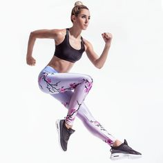 Join the fight against Breast Cancer with our new Breast Cancer Awareness leggings.