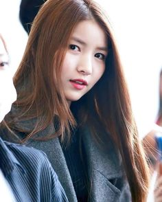 Who said no one is perfect? Kpop Girl Groups, Korean Girl Groups, Kpop Girls, Beautiful Asian Girls, Most Beautiful, Beautiful Ladies, Seoul, Korean Girl Band, Gfriend Sowon