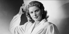 Ingrid Bergman was one of the greatest actresses of Hollywood's lamented Golden Era. Ingrid Bergman, a Swedish actress, was born in Stockholm. Old Hollywood Actors, Hollywood Cinema, Hollywood Stars, Ingrid Bergman, Roberto Rossellini, Isabella Rossellini, Swedish Actresses, Movie Facts, Humphrey Bogart