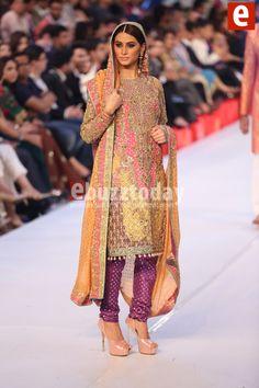 Nomi Ansari at PFDC Loreal Paris Bridal Week 2015 Bridal Mehndi Dresses, Pakistani Bridal Wear, Pakistani Dresses, News Fashion, Asian Clothes, Ethnic Outfits, Shalwar Kameez, Loreal Paris, Stylish Dresses