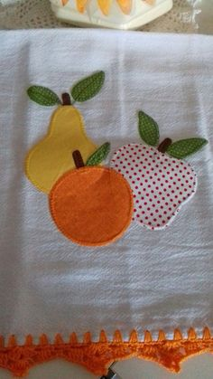 Iron on fabric Cupcake, 8 cm x 10 cm applique pieces), UK, made to order Flower Embroidery Designs, Applique Designs, Embroidery Patterns, Machine Embroidery, Applique Towels, Applique Quilts, Fabric Crafts, Sewing Crafts, Sewing Projects