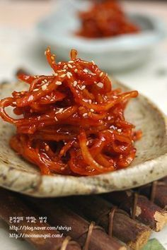 Spicy Recipes, Asian Recipes, Cooking Recipes, K Food, Food Menu, Korean Side Dishes, Korean Food, I Love Food, No Cook Meals