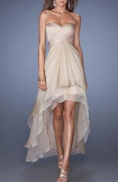 Plus court sur le devant http://www.maysange.com/12581-4828/robe-de-soiree-anemone.jpg