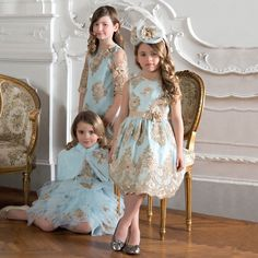 Lesy Dresses Spring Summer 2018 Italy Shop Lesy Girls Dresses from Florence, Italy. Celebrating 50 Years in the Kids Fashion Industry, Lesy Designs Gorgeous Hand Crafted Dresses for Girls. Girls Blue Dress, Little Girl Dresses, Girls Dresses, Flower Girl Dresses, Flower Girls, Birthday Girl Dress, Birthday Dresses, Little Girl Fashion, Kids Fashion