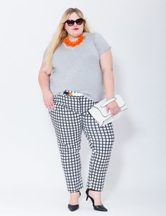 Love this loose tee with a patterned Kady pant | Womens' Top Looks | ELOQUII