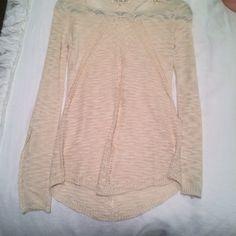 Cream sweater New condition Sweaters Crew & Scoop Necks