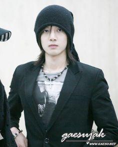 Kim Hyun Joong 김현중 ♡ hat ♡ long hair ♡ adorable ♡ リダ....