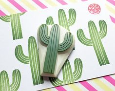 desert cactus hand carved by talktothesun cactus rubber stamp. desert cactus hand carved by talktothesun The post cactus rubber stamp. desert cactus hand carved by talktothesun appeared first on Urlaub. Clay Stamps, Kids Stamps, Autumn Crafts, Holiday Crafts, Stencil, Cactus Plante, Cactus Gifts, Stamp Carving, Handmade Stamps