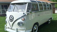 1966 Volkswagen Samba Deluxe 21-Window Bus