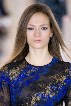 fashionising:Beauty photos from  Antonio Berardi autumn 2015; click through for more images.