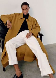 Le Fashion: 5 Minimalist Fall Outfit Ideas to Wear All Season Long Minimal Look, Minimal Chic, Cool Outfits, Fashion Outfits, Fashion Fashion, Colorful Fashion, Skinny Legs, Timeless Fashion, Organic Cotton
