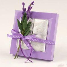 bomboniera con lavanda - #wedding #favor #bomboniera #bombonieramatrimonio #matrimonio #emporioeventi Lilac, Lavender, Eid, Decorative Boxes, Gift Wrapping, Frame, Gifts, Color Lavanda, Gadget