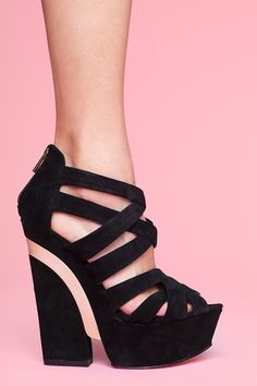 my pulse just started racing.... DYING for these.  CRYING even.