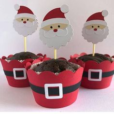 Lembrancinhas de Natal simples e baratas Grinch Christmas Decorations, Christmas Crafts For Kids To Make, Diy Christmas Ornaments, Simple Christmas, Christmas Presents, Christmas Sweets, Christmas Design, Christmas Ideas, Diy Weihnachten